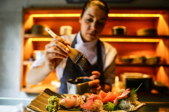 Casa e Sabor: Alice Celidônio que trabalhou no Miyoshi é a única Sushi-Chef em São Paulo