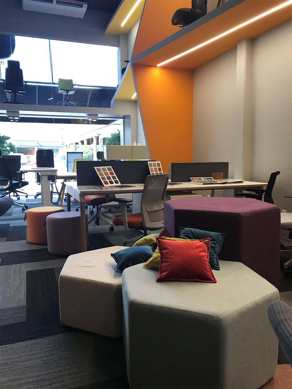 Studio Office chega ao Casa & Design com uma curadoria de móveis corporativos repleta de inovação e personalidade