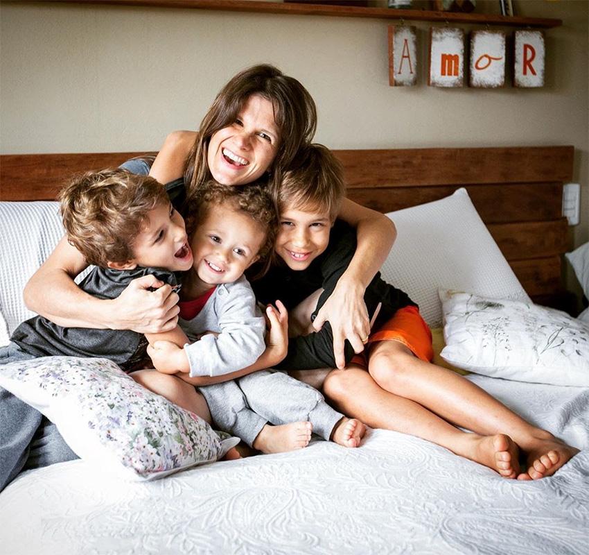 Três mulheres, três carreiras de sucesso: entre lágrimas e alegrias, a doce aventura de ser mãe